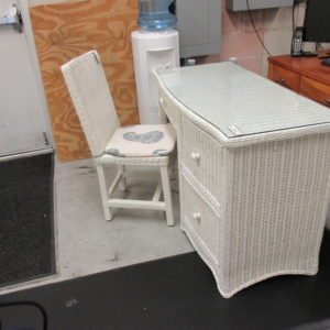 Prime Havertys Avondale Chair Fine Resale Of Florida Creativecarmelina Interior Chair Design Creativecarmelinacom